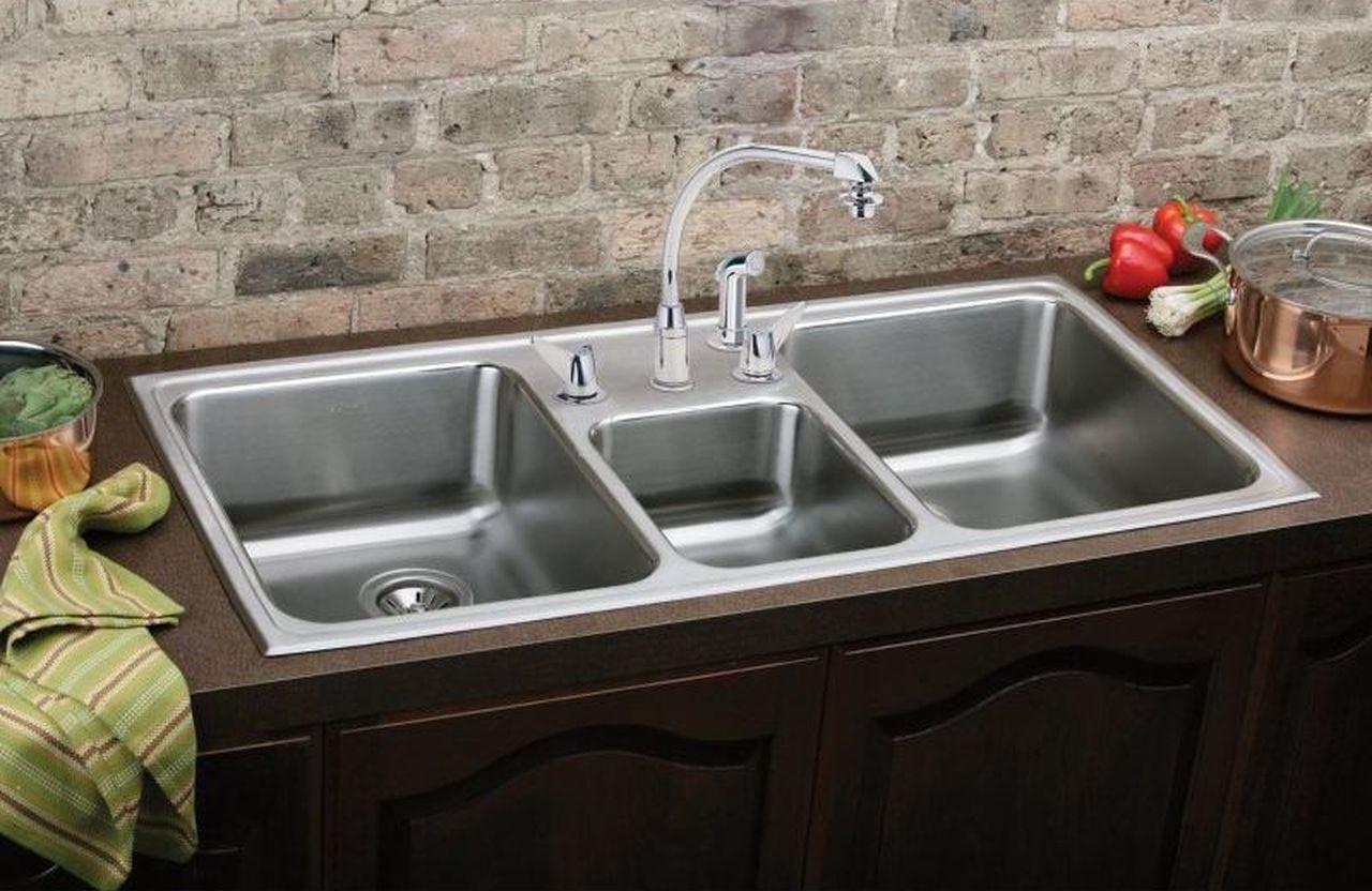 Wastafel Stainless Steel Tiga bak dengan multifungsi desain dapur minimalis