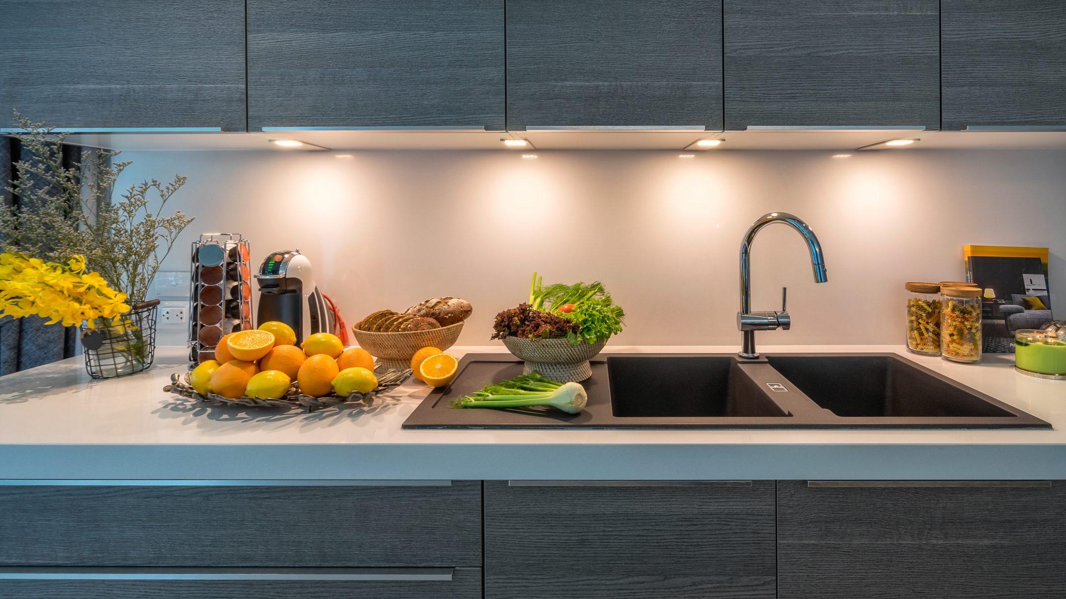 desain lampu untuk wastafel dapur minimalis