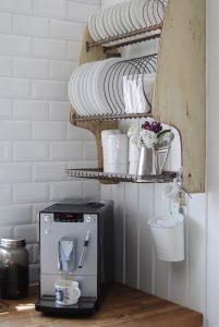 rak piring gantung desain simple di kitchen set kekinian ...