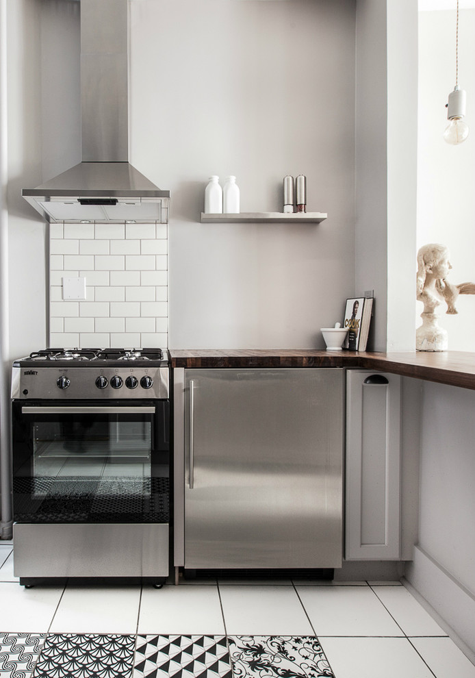 ide dapur kecil dengan kabinet bahan stainless