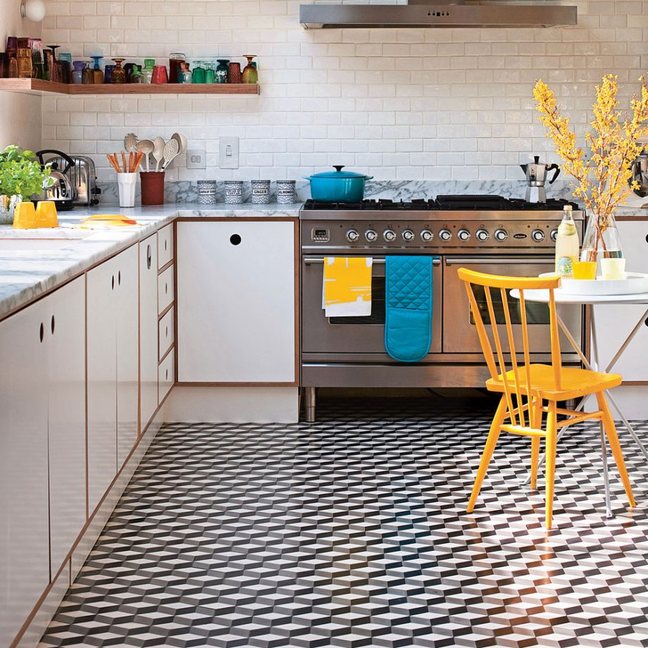 keramik lantai dapur hitam putih yang unik