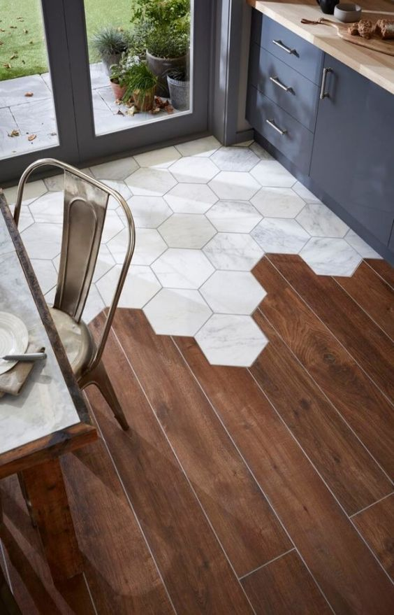 kreasi lantai dapur minimalis keramik dan kayu