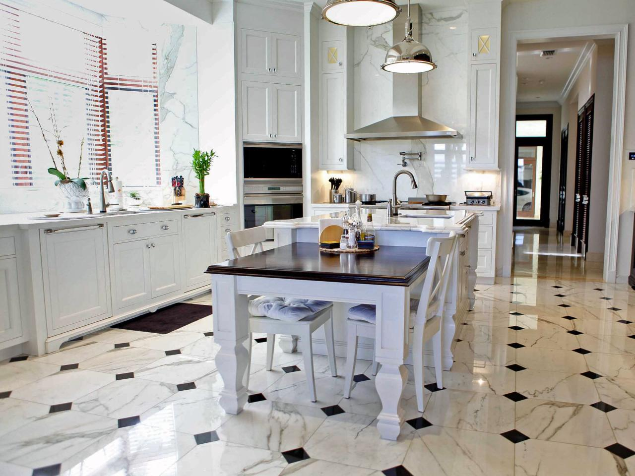 lantai keramik dekorasi dapur titik penyambung berwarna hitam