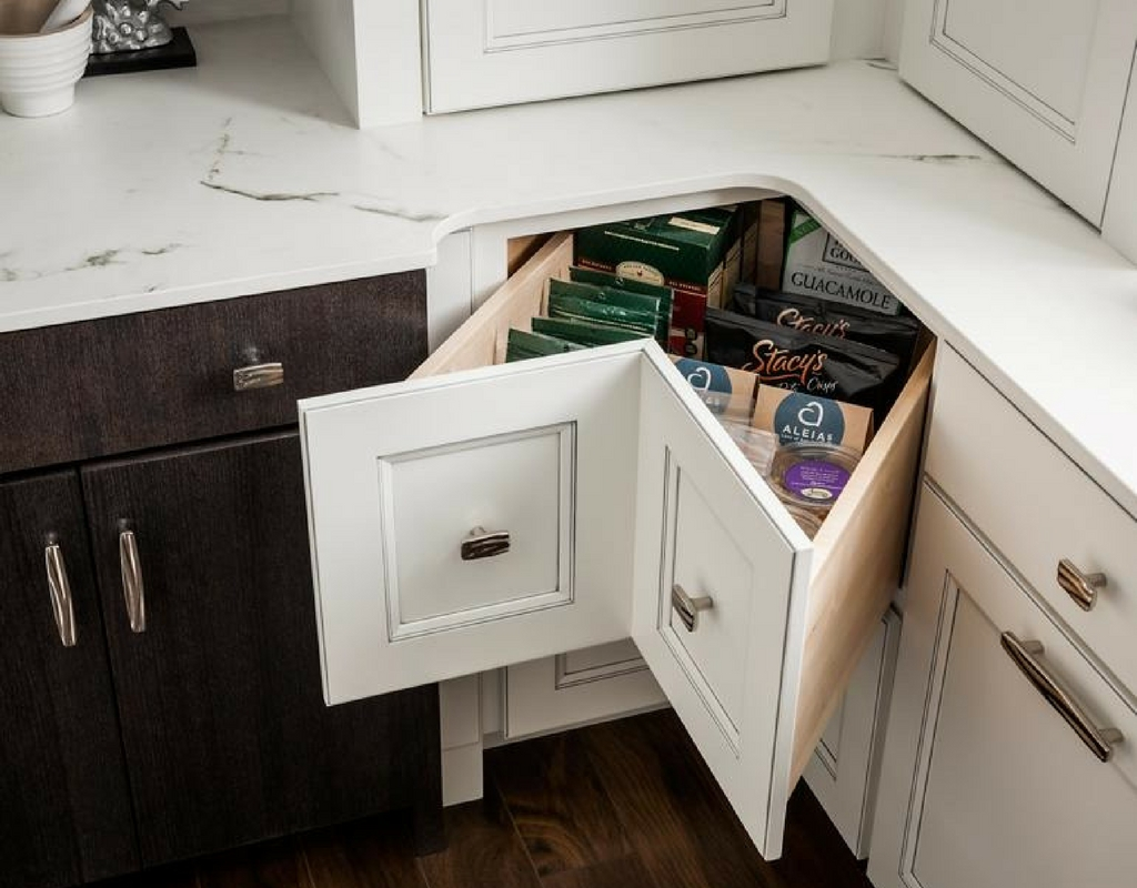 rak dapur minimalis desain unik di sudut dapur ...