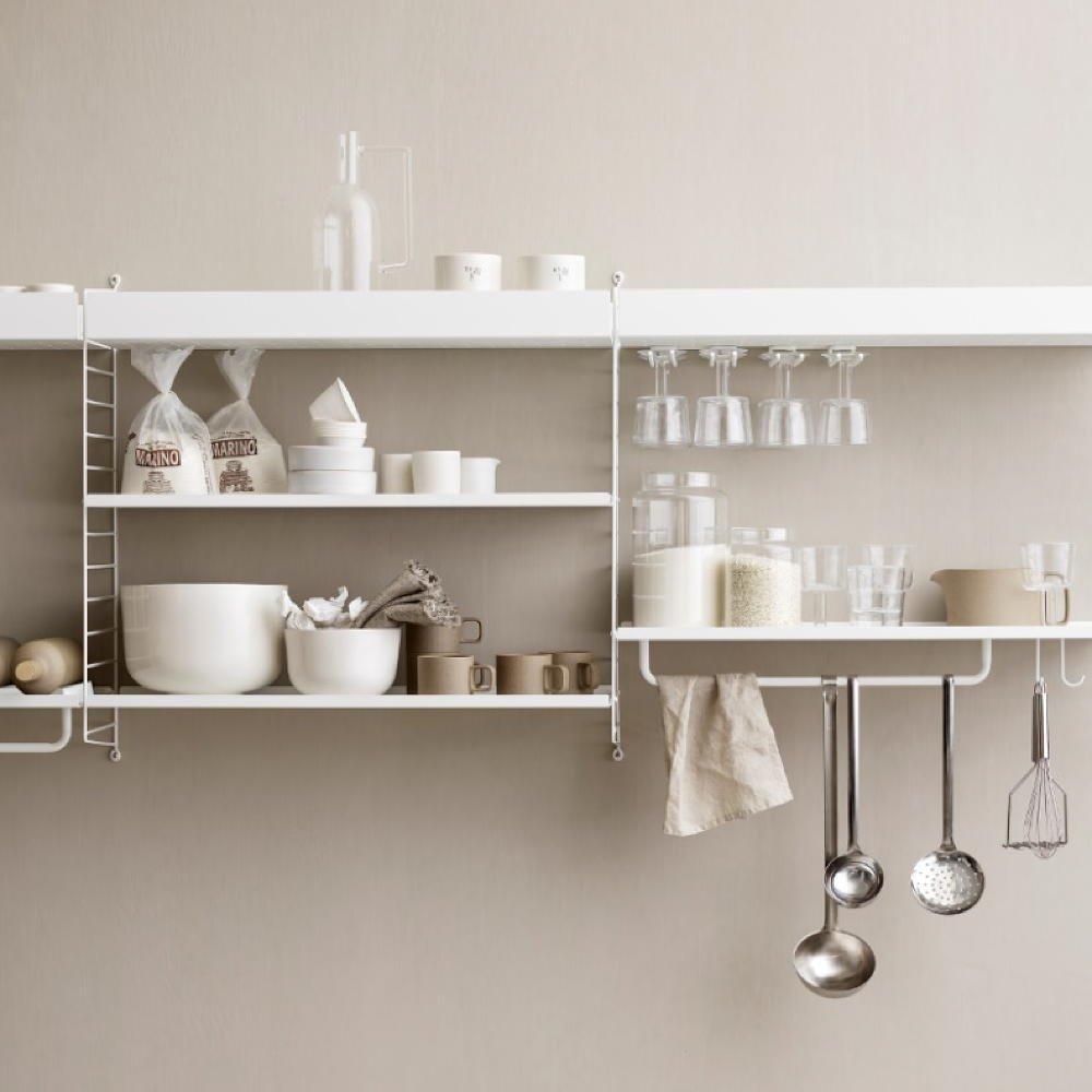 alat-alat dapur dengan dekorasi dapur dengan warna senada